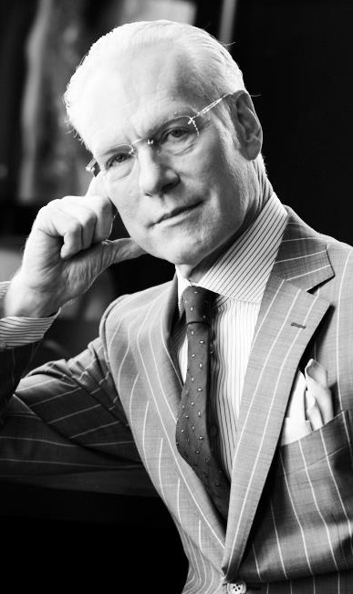 abf7ca102d Project Runway co-host Tim Gunn says designers should stop ignoring  plus-size women. With the average American woman now wearing a ...